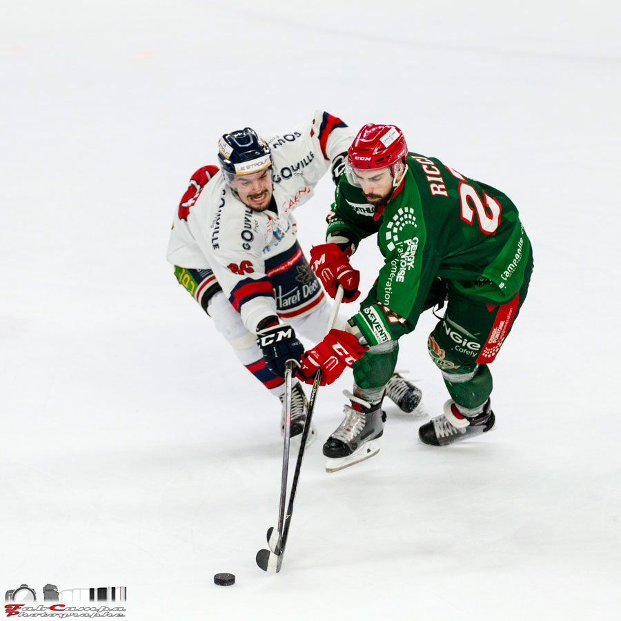 Match de hockey sur glace à l'Aren Ice à Cergy-Pontose